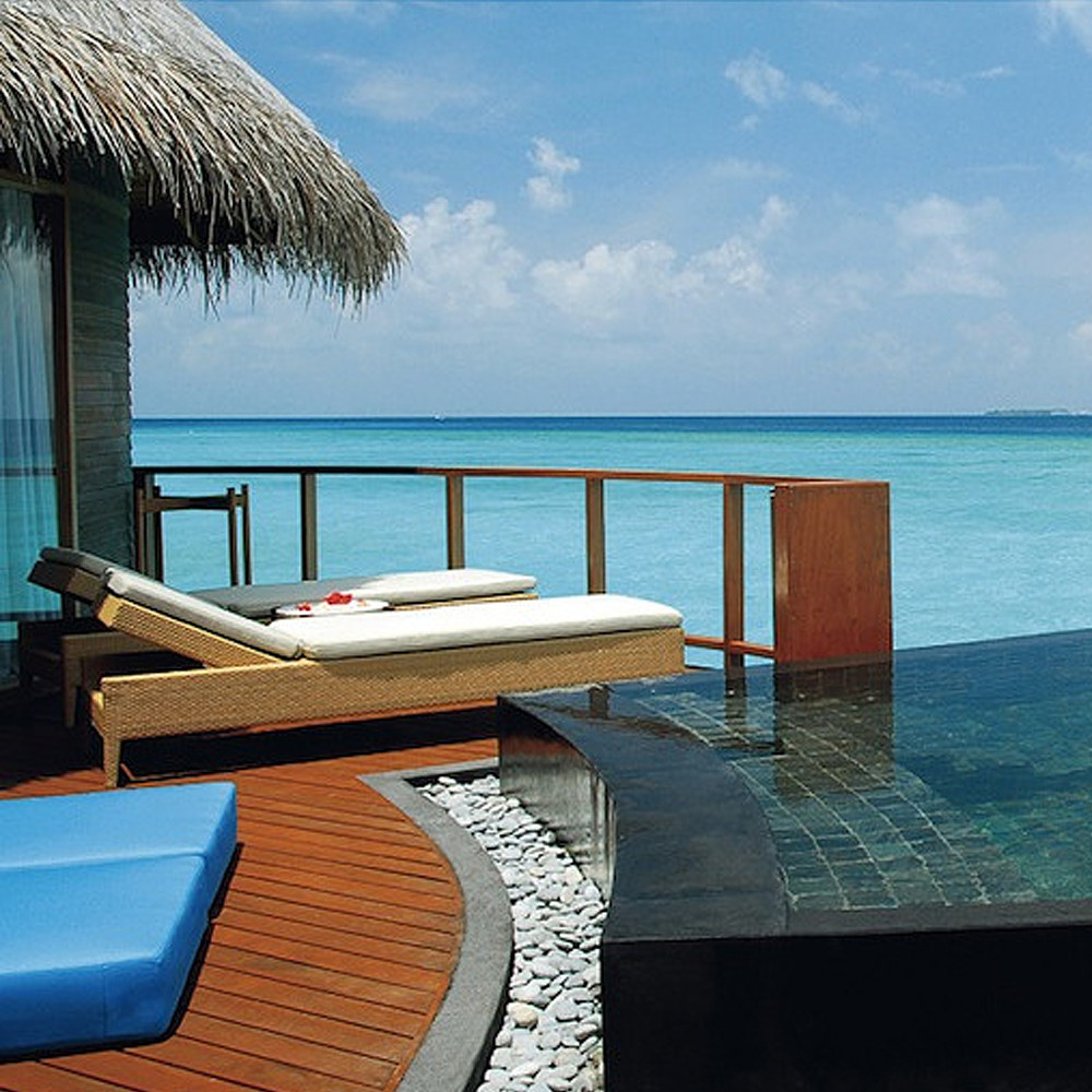 Al Arabi Travel Agency Honeymoon Suite in Maldives