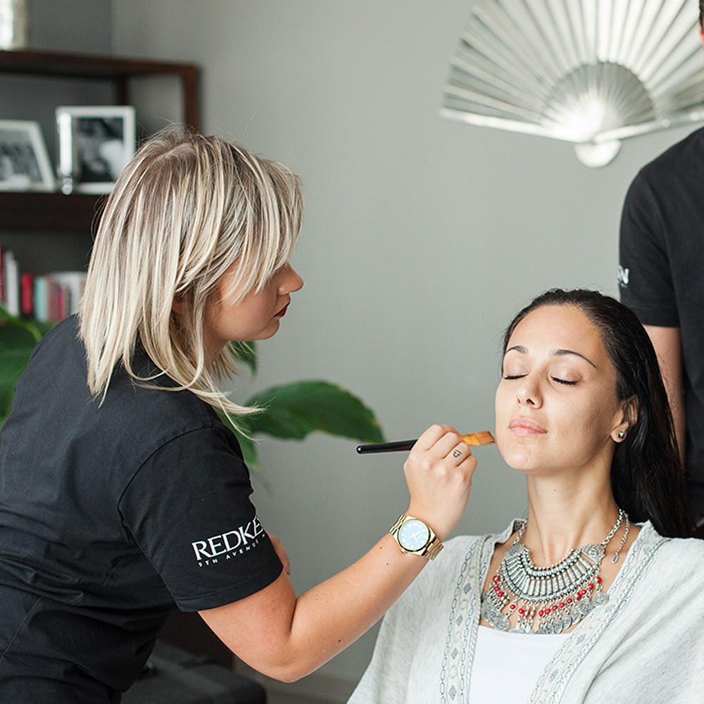 Blowout&Go Face Makeup