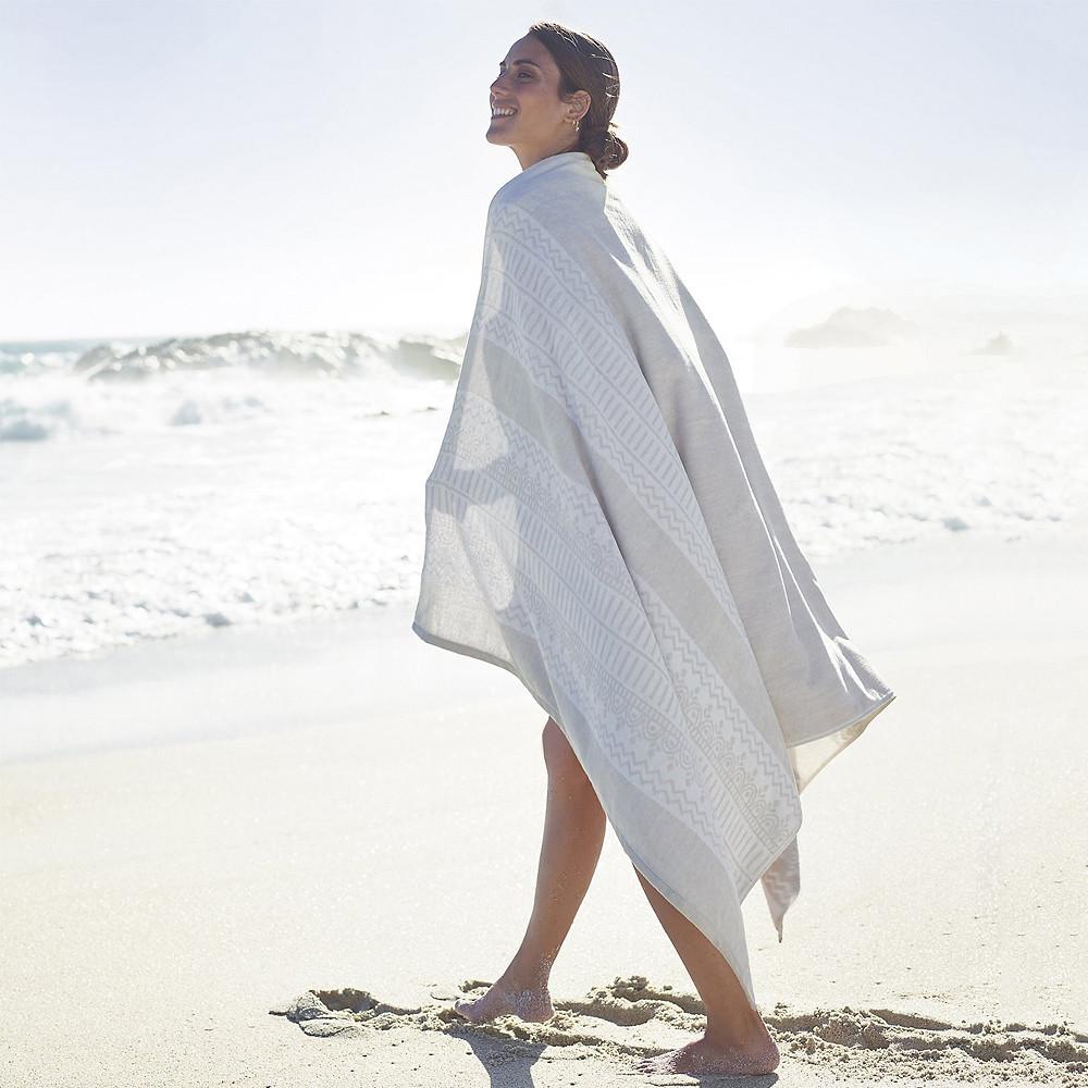 The White Company Cecina Beach Towel White Grey 100 x 180 cm