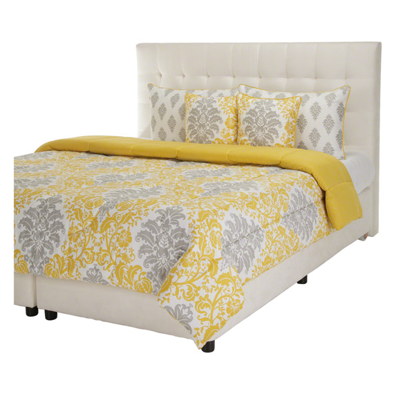 Carola Bedding Set